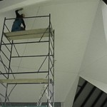 in timpul lucrului la tavan